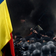 «Закон о реинтеграции» Донбасса: Порошенко жертвует националистами ради Брюсселя