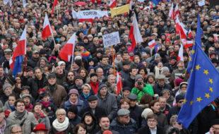 Ситуация в Польше: «Еще несколько недель — и на улицах прольется кровь»