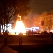 Видеофакт: в Гомеле сгорела новогодняя елка