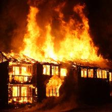 В Кормянском районе мужчина вынес спящего соседа из горящего дома