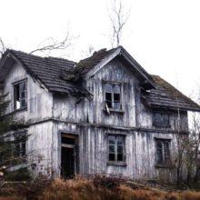 В Лоевском районе приходит в запустение 150 домов и квартир