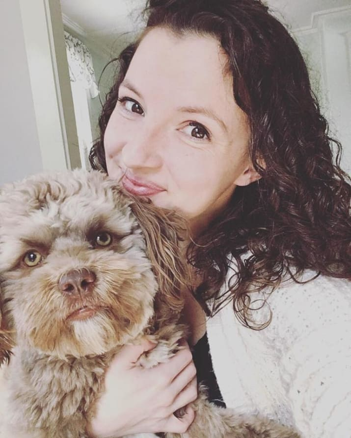 пёс с человеческим лицом