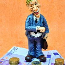 Во что вкладывают деньги украинские политики