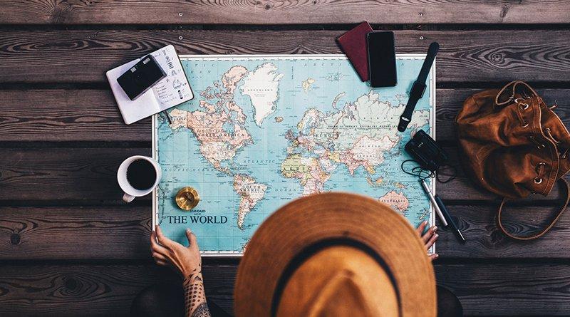 путешествовать и получать за это деньги