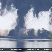 На Гомельщине взорвали аварийный пролет моста через Припять