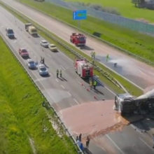 Жидкий шоколад затопил дорогу в Польше