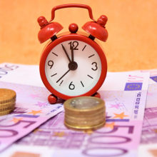 Министр экономики рассказал, кому ждать заветные «попятьсот»