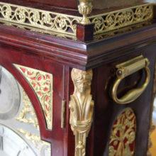 Гомельские таможенники изъяли английские часы XVIII века