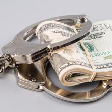 «Обнаглевшие» чиновники будут и дальше привлекаться за коррупцию
