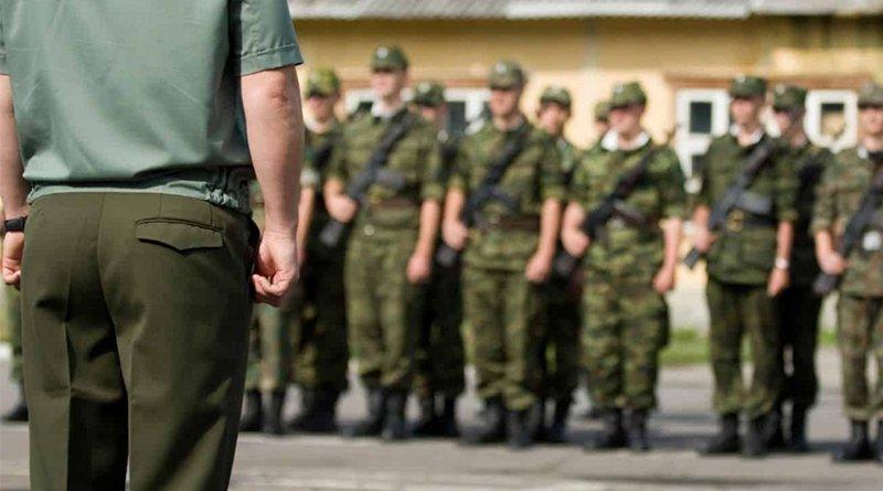 Лукашенко предложил отправлять студентов в армию