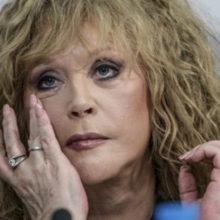 Пугачева в слезах попала на видео: Столько горя, не тех мы любим