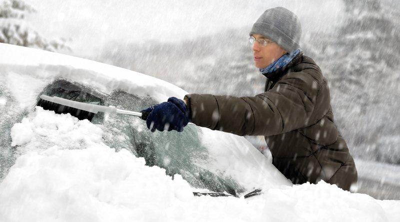 Как правильно чистить авто зимой