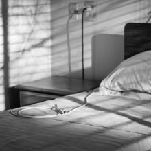 Мальчик, выпавший с балкона в Светлогорске, умер в больнице