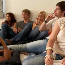В Беларуси на вечеринке нашли наркотики, 37 человек задержаны