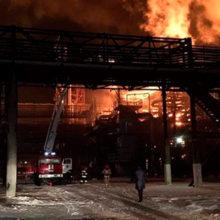 В Украине загорелся нефтеперерабатывающий завод