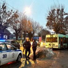 ДТП в Гомеле: троллейбус въехал в забор жилого дома
