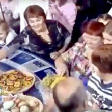 На «Поле чудес» зрители устроили драку за еду