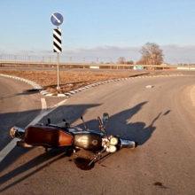 В Буда-Кошелевском районе мотоциклист врезался в дорожный знак и попал реанимацию