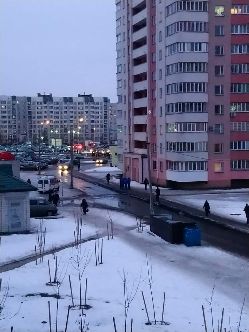 В Гомеле на улице Мазурова мужчина выпал из окна