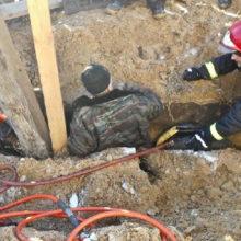 В Мозыре при обрушении грунта спасли человека