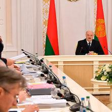 В Беларуси частично сократят поддержку семей с детьми