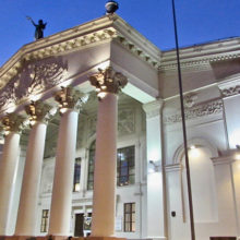 Гомельский драмтеатр проводит акцию к 8 марта