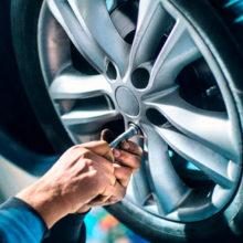 ГАИ советует водителям не спешить с заменой резины