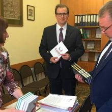Инициатива «Союз» продолжает передавать книги в библиотеки России и Беларуси