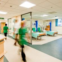 Как в майские праздники будут работать больницы и поликлиники