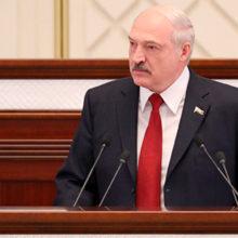 Лукашенко предложил брать на работу только многодетных чиновников