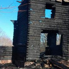 Белорусский «Нотр-Дам»: убирали мусор и сожгли вековой храм