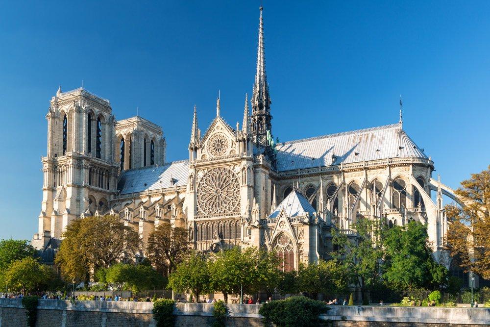 Почему сгорел собор Парижской Богоматери, названа причина