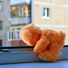 В Речице из окна выпал ребенок