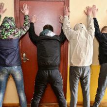 Видеофакт: в Гомеле задержано шесть курьеров наркошопа