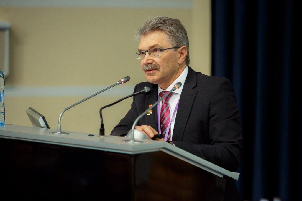 Александр Дзядзько
