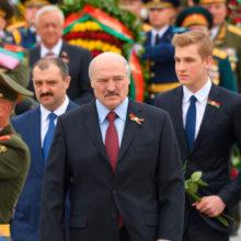 Лукашенко: акция «Беларусь помнит» ― это действительно «Бессмертный полк»
