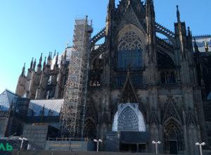 Западная Европа отказывается от христианских корней
