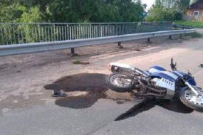 Под Добрушем пьяный байкер влетел в отбойник на мосту