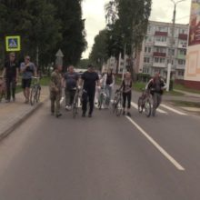 Проехал 35 километров: как Лукашенко катался на велосипеде по Болбасово