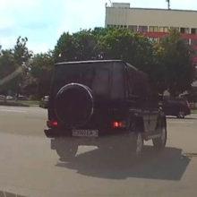 В Гомеле лихач на Гелендвагене чуть не спровоцировал ДТП (ВИДЕО)