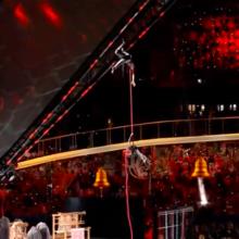 Во время церемонии открытия Европейских игр с высоты сорвалась гимнастка