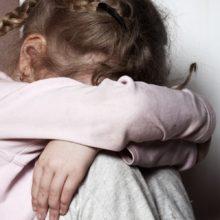 11-летняя девочка родила от дедушки, пока мать была на заработках