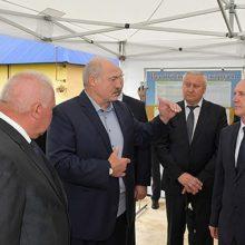Лукашенко прибыл в Ивьевский район с рабочей поездкой