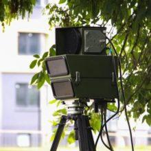 За разбитую ногой камеру фотофиксации минчанин заплатит 4300 рублей