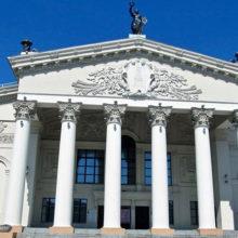 2 октября пенсионеры смогут бесплатно сходить в драмтеатр