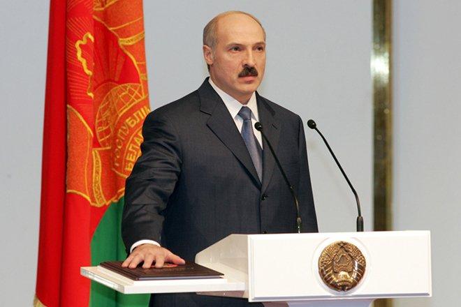 Александр Лукашенко - первый президент Республики Беларусь