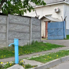 Пенсионерке из Чечерского района выставили счет на воду из колонки в 150 рублей