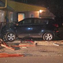 В Дзержинске водитель объезжал ежика и врезался в дом