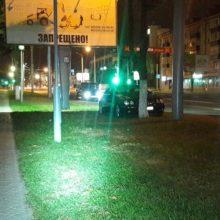 В Гомеле Mercedes без водителя врезался в дерево