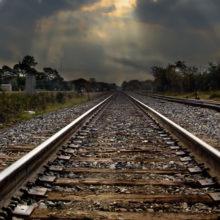 В Жлобинском районе под колесами поезда погиб молодой парень
